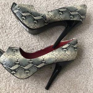 Jessica Simpson snake print peep toe pumps